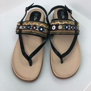Forever 21 sandals size 10